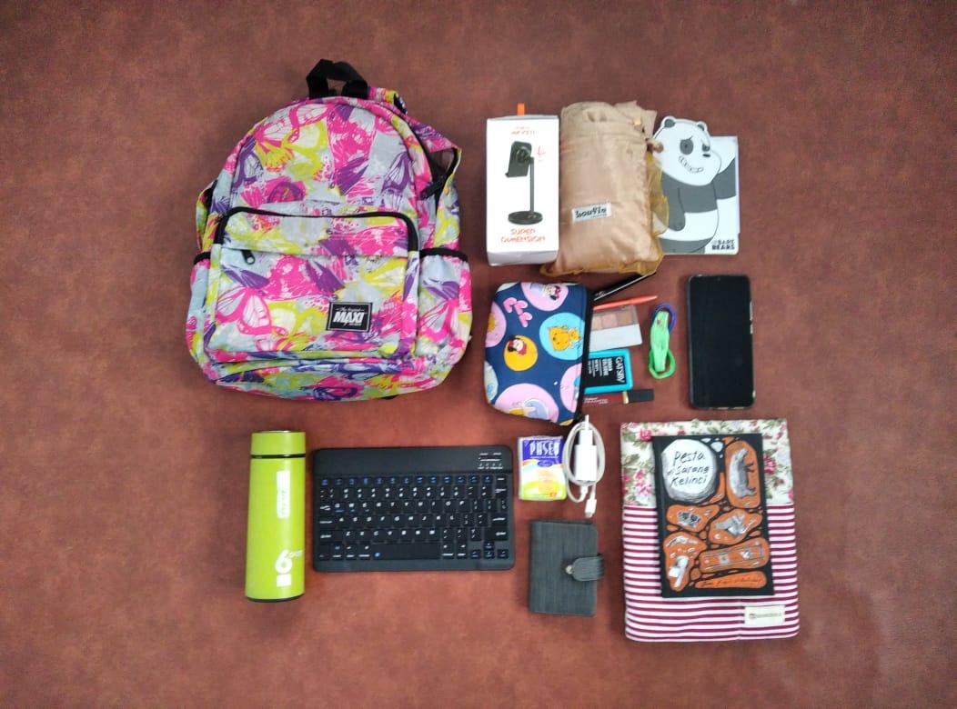 Inside Annas Karyadi's Bag